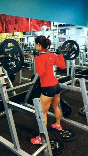 girl squat rack